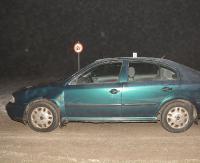 AKTUALIZACJA BESKO: Potrąciła pieszego i wjechała w pojazd stojący na poboczu (ZDJĘCIA)