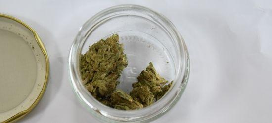 Ukrainiec próbował przemycić do Polski marihuanę w słoiku (ZDJĘCIA)
