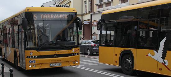 AKTUALIZACJA: Załoga Autosanu jest już w Krakowie! Przybywa ludzi pod siedzibą Zasady