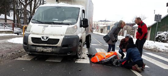 SANOK: Potrącenie na pasach przy przychodni na ul. Lipińskiego (ZDJĘCIA)