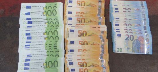GRANICA: Niezgłoszone tysiące euro w bagażu kierowcy