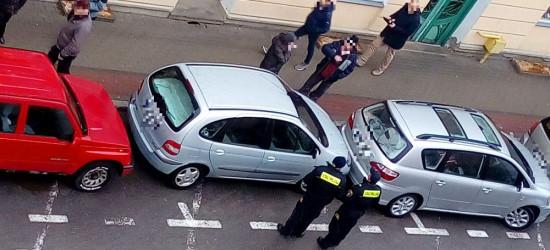 PARKOWANIE PO SANOCKU: Zaparkować łatwo, wyjechać to sztuka (FOTO)