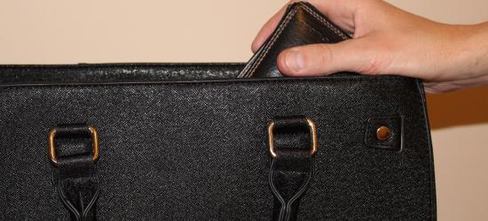 KRONIKA POLICYJNA: Torebki na celowniku złodziei