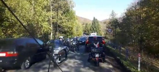 """BIESZCZADY: 14 km w godzinę. Ratownicy apelują do """"nieudolnych"""" kierowców (VIDEO)"""