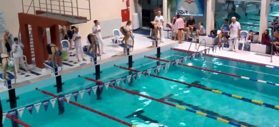 Sanockie pływaczki na medal. Gabriela Kikta wyrównuje rekord okręgu z… 1985 roku! (ZOBACZ WYŚCIG SANOCZANKI, FILM)