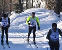 BIESZCZADY: Narciarze biegają również nocą. Idealne warunki dla miłośników sportów zimowych (FILM)