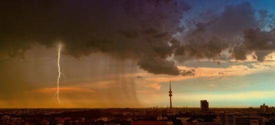 POWIAT SANOCKI. Silne opady deszczu. Możliwe burze