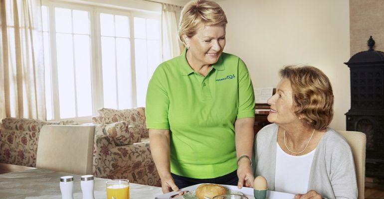 Promedica24 szuka opiekunów dla seniorów