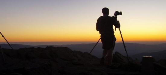 """ZAGÓRZ: Jak dostrzec piękno przyrody? Przyjdź na warsztaty fotograficzne ,,Świat obok nas""""."""