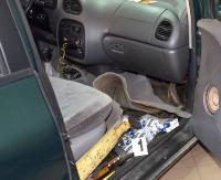 980 paczek papierosów produkcji ukraińskiej w skrytkach samochodu. Pojazd zatrzymany w okolicach Załuża (ZDJĘCIA)