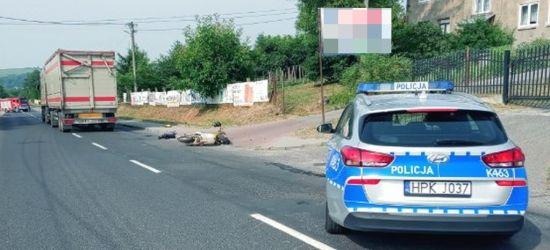 Tragedia na drodze. Nie żyje 93-letni kierowca skutera (FOTO)