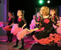SANOK: Rekordowa frekwencja i fantastyczne występy! Maluchy z sanockich przedszkoli brylowały na parkiecie (FILM, ZDJĘCIA)