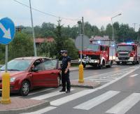 AKTUALIZACJA ZAGÓRZ: Dziewczyna wtargnęła na jezdnię, wprost pod nadjeżdżający samochód (ZDJĘCIA)