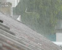Kolejne ostrzeżenia meteorologiczne. Większe opady, grad i silny wiatr