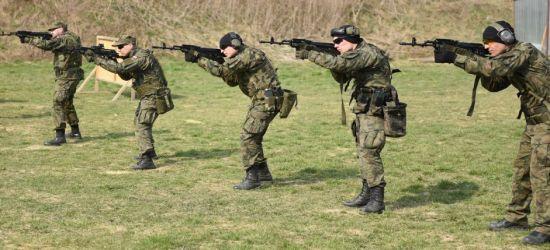 Broń nie strzela sama! Szkolenia instruktorów wśród terytorialsów (FOTO)
