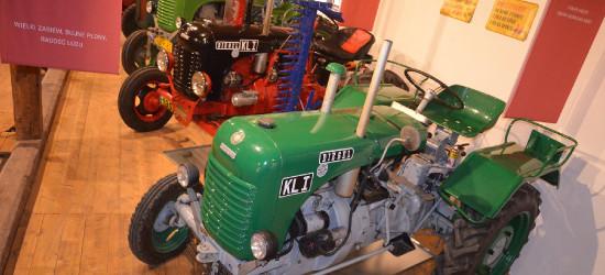 Ekspozycja traktorów, dawne stroje, historia. Beskie Centrum Dziedzictwa (FOTORELACJA)