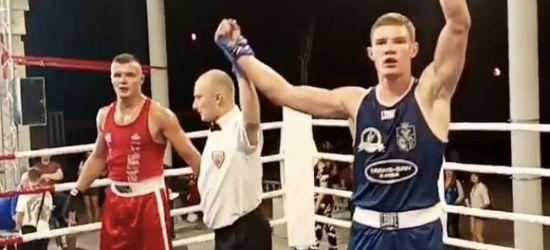 Adam Tutak rozkręca się na bokserskim ringu. Kolejny sukces!