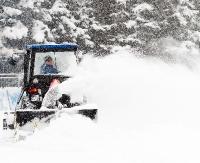 Intensywne, nocne opady śniegu. Spore utrudnienia na drogach. Ma nadal padać (ZDJĘCIA)
