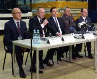 Konferencja prasowa w Autosanie. Podpisano umowę na produkcję pojazdów dla wojska (RETRANSMISJA)