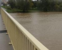 STRAŻ POŻARNA: Wody w rzekach przekraczają stany ostrzegawcze i alarmowe