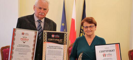 """Uczelnia Państwowa z szóstym certyfikatem """"Uczelnia Liderów""""!"""