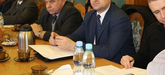 """Czy Tadeusz Pióro powalczy o fotel burmistrza Sanoka? Konferencja prasowa """"Zjednoczonej Prawicy"""" (FILM, ZDJĘCIA)"""