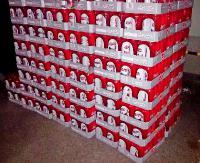 KOMAŃCZA: Ponad 2,5 tysiąca półlitrowych puszek piwa z Czech. Nielegalny alkohol miał trafić na Ukrainę