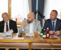 SESJA W MIEŚCIE: Nieprecyzyjny regulamin budżetu obywatelskiego, sprawy porządkowe i drogowe w wolnych wnioskach radnych (FILM)