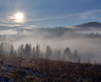 Bieszczady skąpane we mgle i jesiennych promieniach słońca (ZDJĘCIA)