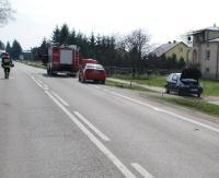 GRABOWNICA: Seat wjechał we fiata. Kierowca z punto trafił do szpitala (ZDJĘCIA)