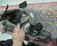 Kontrolowali osobówkę na granicy, w tłumiku znaleźli 4 kg bursztynu (ZDJĘCIA)