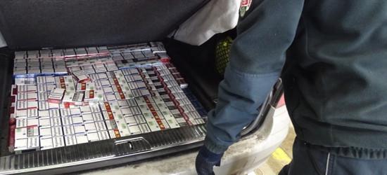 22 tys. papierosów i 9 litrów alkoholu! Niemiec przyłapany na granicy (ZDJĘCIA)