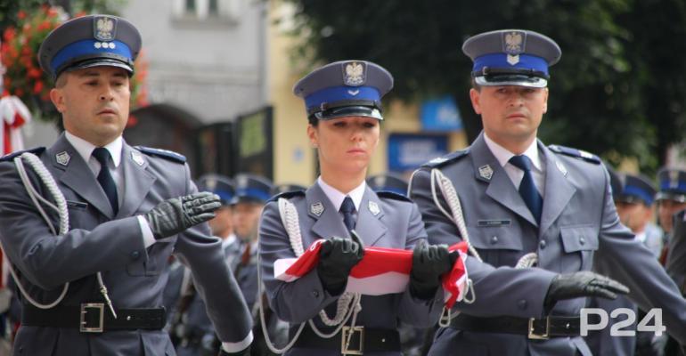 """Policjanci z Podkarpacia świętowali w Przemyślu. """"Dobro ojczyzny misją każdego funkcjonariusza"""" (FILM, ZDJĘCIA)"""