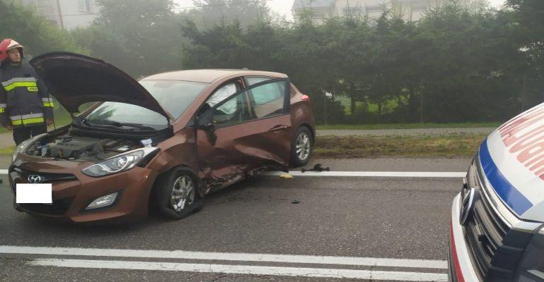 Kierowca zasnął za kierownicą. Dwie osoby w szpitalu (FOTO)