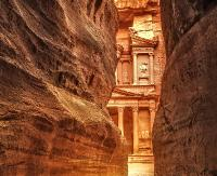 Petra: cud architektury wykuty w skale