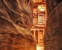 Petra: cud architektury wykuty w skale