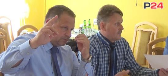 """GMINA ZAGÓRZ: Radni """"żebrzą"""" o pieniądze na wymianę drzwi w szkole (VIDEO, FOTO)"""
