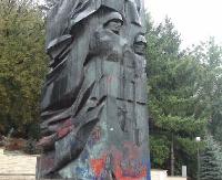 SANOK: Do końca wakacji pomnik Armii Czerwonej zniknie z parku (ZDJĘCIA)