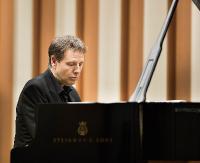 Na początek mistrzowie fortepianu, laureaci konkursów chopinowskich. Rusza Międzynarodowe Forum Pianistyczne