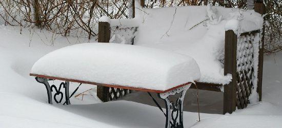 PODKARPACIE: Leżała twarzą w zaspie śnieżnej i nie oddychała