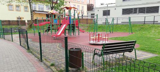 INTERWENCJA: Place zabaw niszczone przez wandali (FOTO)