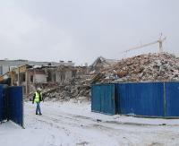 BASEN SANOK: Trwa burzenie starego obiektu. Jesienią sanoczanie skorzystają z nowoczesnego kompleksu (ZDJĘCIA, FILM)