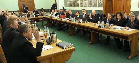 SESJA W POWIECIE: Radni zdecydują o wyborze starosty (TRANSMISJA)