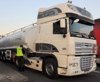 Ukraińcy chcieli wywieźć pojazdy z Polski jako odpady. Kradziona ciężarówka na granicy (ZDJĘCIA)