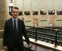 POSEŁ PIOTR URUSKI: Czuję się spełniony po roku pracy w Sejmie (WYWIAD)