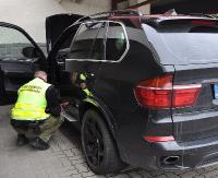 GRANICA: Pogranicznicy zatrzymali Ukraińca w BMW. Pojazd był poszukiwany przez Interpol (ZDJĘCIA)