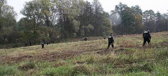 78-latka zgubiła się w lesie. Szukało jej prawie 80 osób