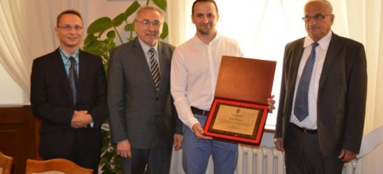"""Burmistrz podziękował ,,Serkowi"""" za wieloletnią współpracę (ZDJĘCIA)"""