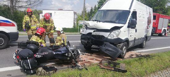 Poważny wypadek w Zagórzu. Ranny trafił do szpitala (VIDEO, ZDJĘCIA)