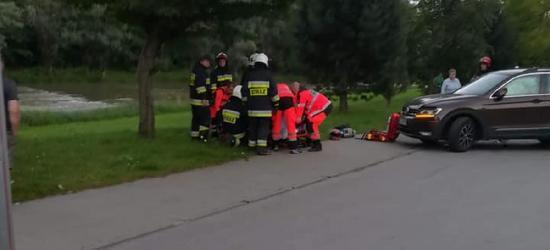 Zderzenie dwóch osobówek i motocykla z samochodem (FOTO)
